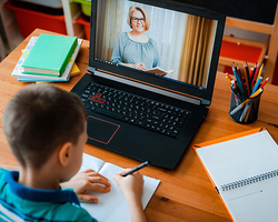 8 Ways to Overcome the Challenges of Distance Learning